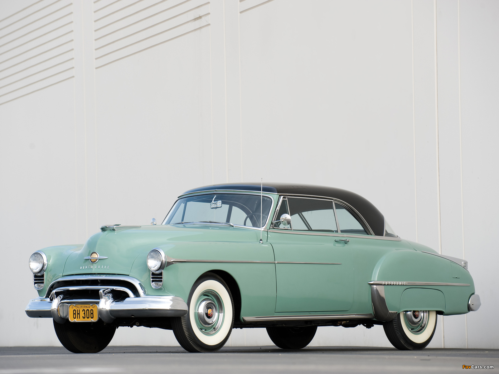 Images of Oldsmobile Futuramic 88 Holiday Coupe (3737) 1950 (1600 x 1200)