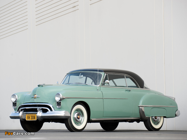 Images of Oldsmobile Futuramic 88 Holiday Coupe (3737) 1950 (640 x 480)