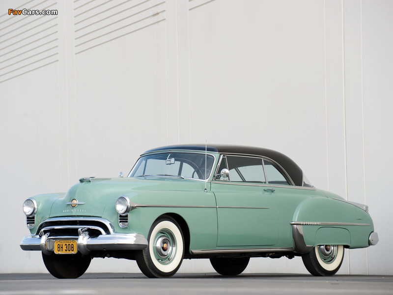 Images of Oldsmobile Futuramic 88 Holiday Coupe (3737) 1950 (800 x 600)