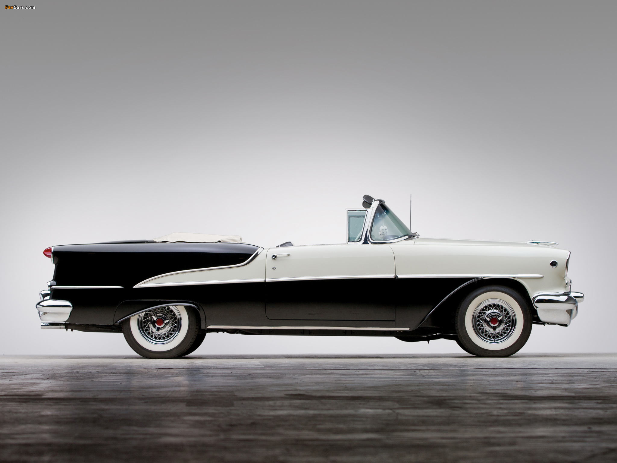 Images of Oldsmobile Super 88 Convertible (3667DTX) 1955 (2048 x 1536)
