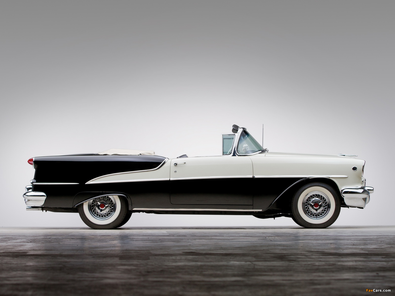 Images of Oldsmobile Super 88 Convertible (3667DTX) 1955 (1600 x 1200)