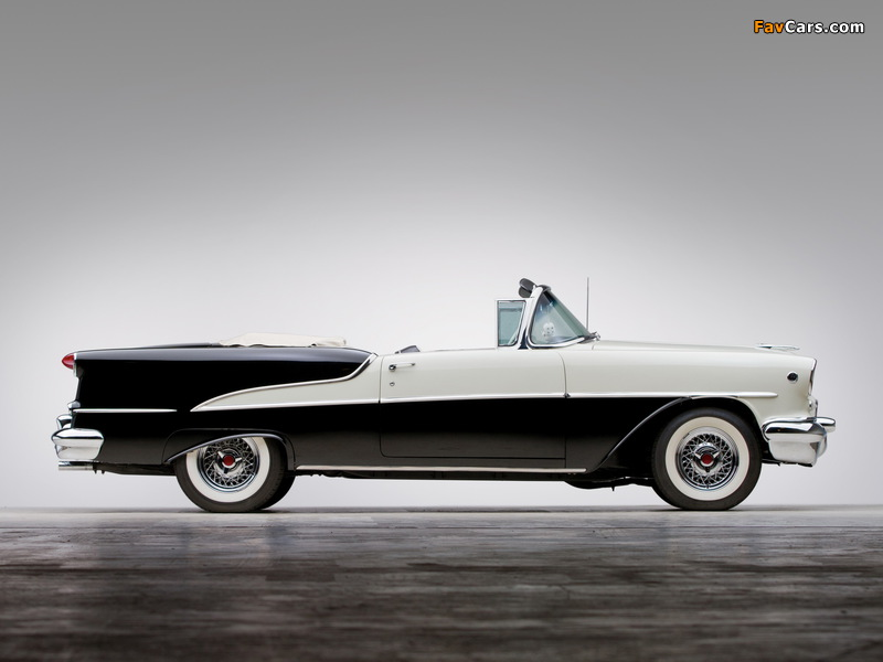 Images of Oldsmobile Super 88 Convertible (3667DTX) 1955 (800 x 600)