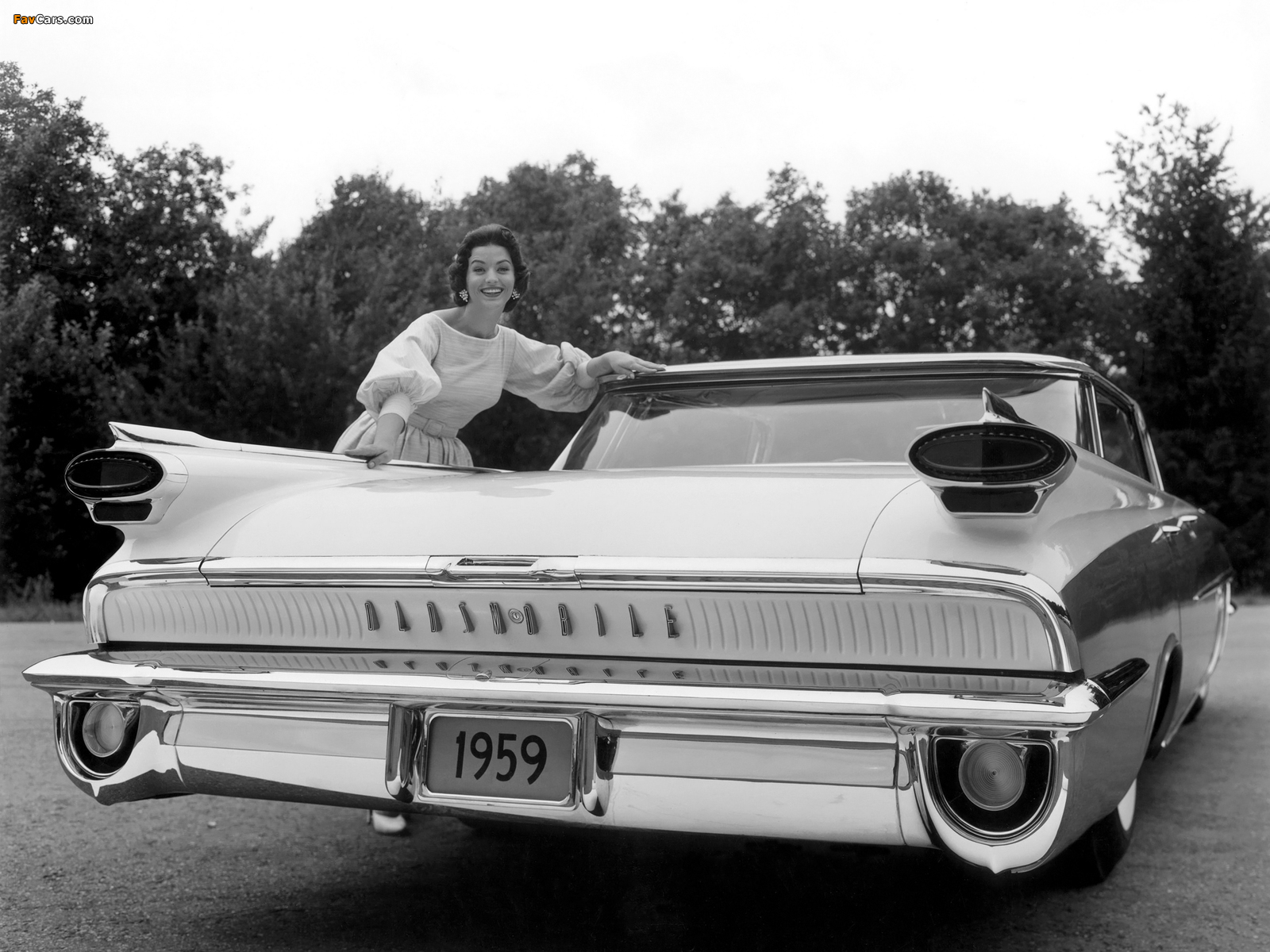 Images of Oldsmobile Super 88 Holiday Sport Sedan (3539) 1959 (1600 x 1200)