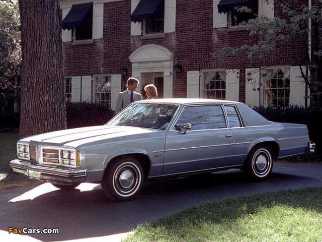 Oldsmobile Delta 88 Royale Coupe (N37) 1978 pictures (640 x 480)