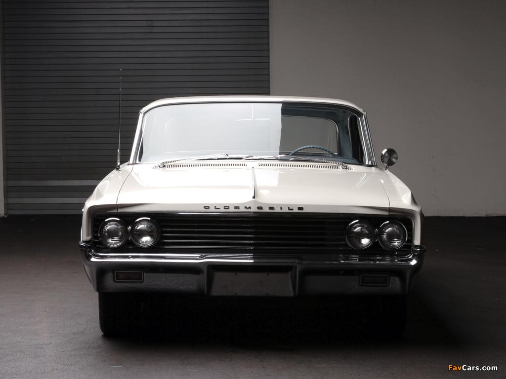 Photos of Oldsmobile Super 88 2-door Holiday Hardtop (3547) 1963 (1024 x 768)