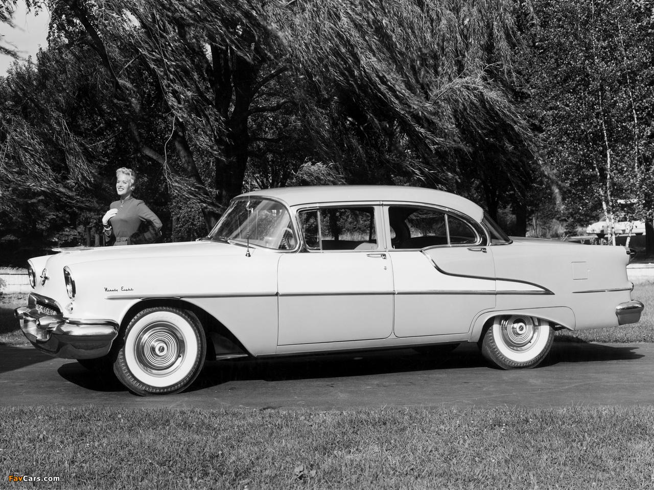 Oldsmobile 98 Sedan (3069D) 1955 wallpapers (1280 x 960)
