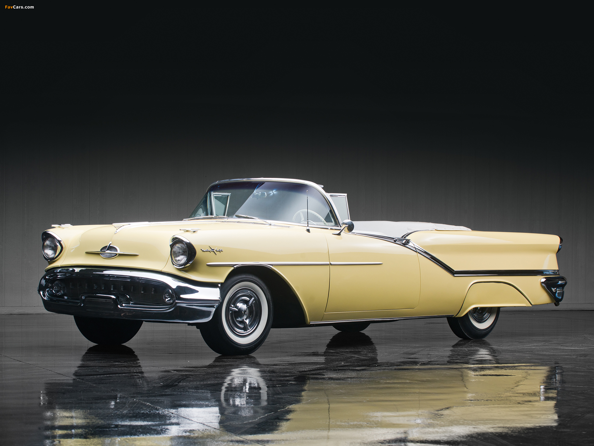 Oldsmobile Starfire 98 Convertible (3067DX) 1957 wallpapers (2048 x 1536)