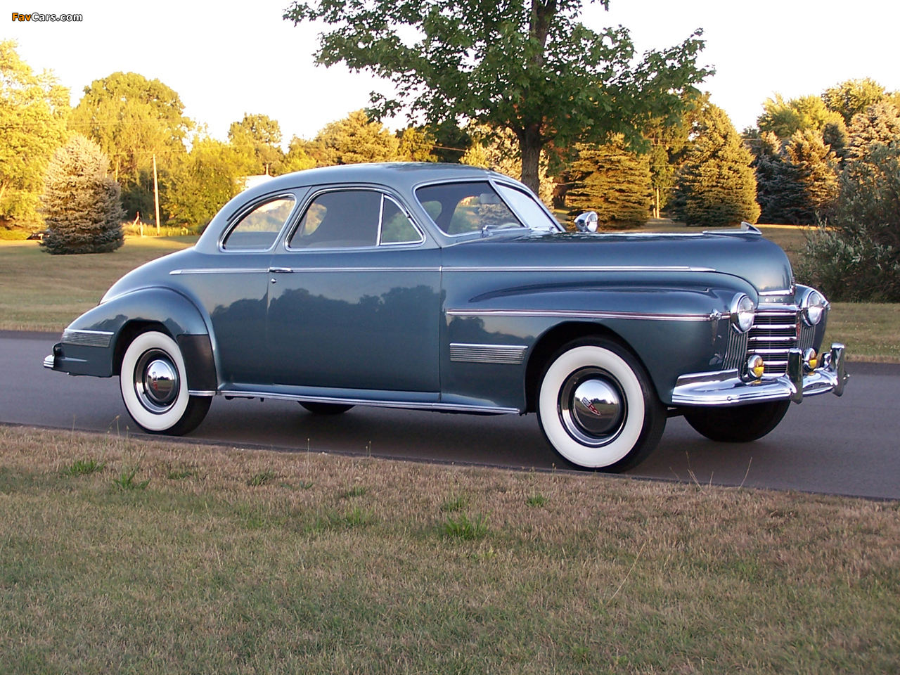 Photos of Oldsmobile 98 Custom Cruiser Club Coupe 1941 (1280 x 960)
