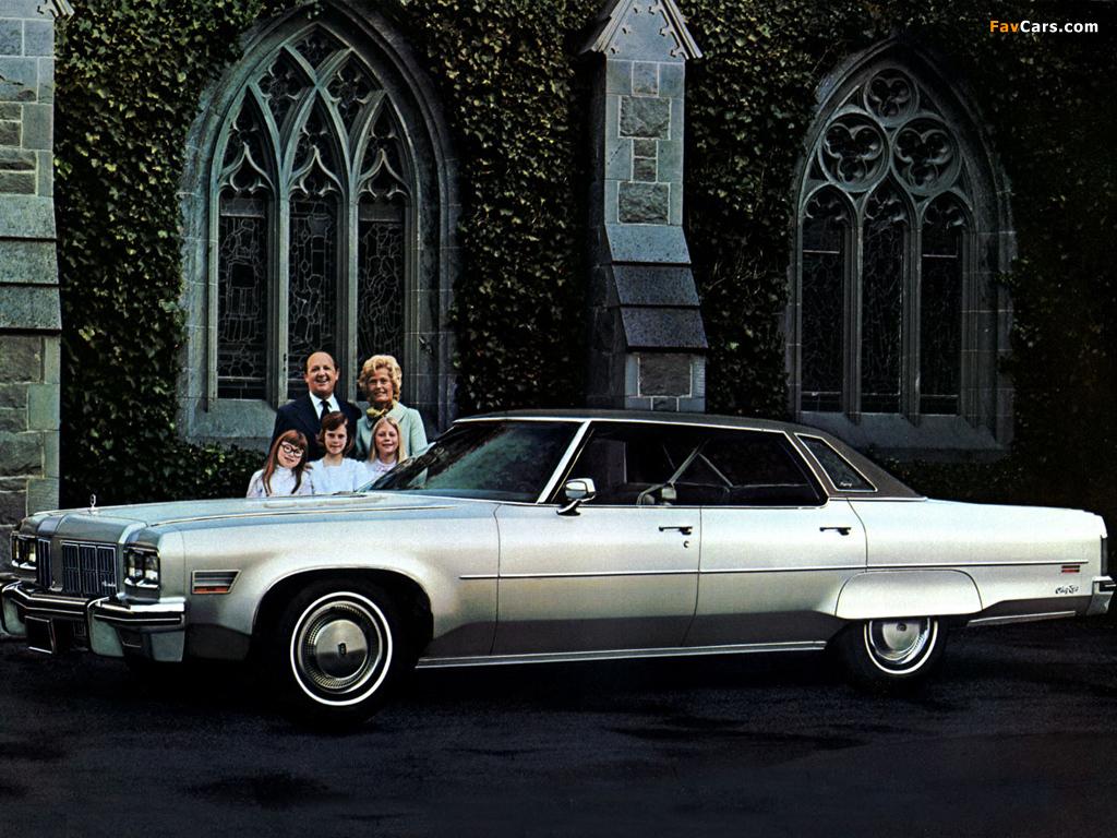 Pictures of Oldsmobile 98 Regency Hardtop Sedan (X39) 1975 (1024 x 768)