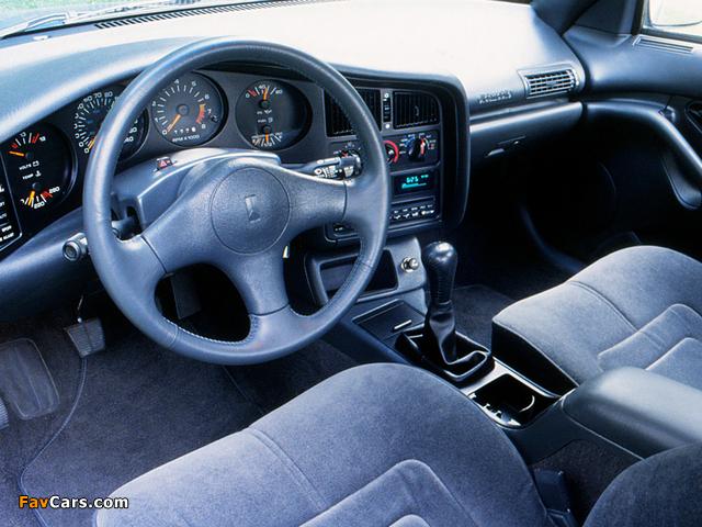 Pictures of Oldsmobile Achieva SCX 1992–93 (640 x 480)