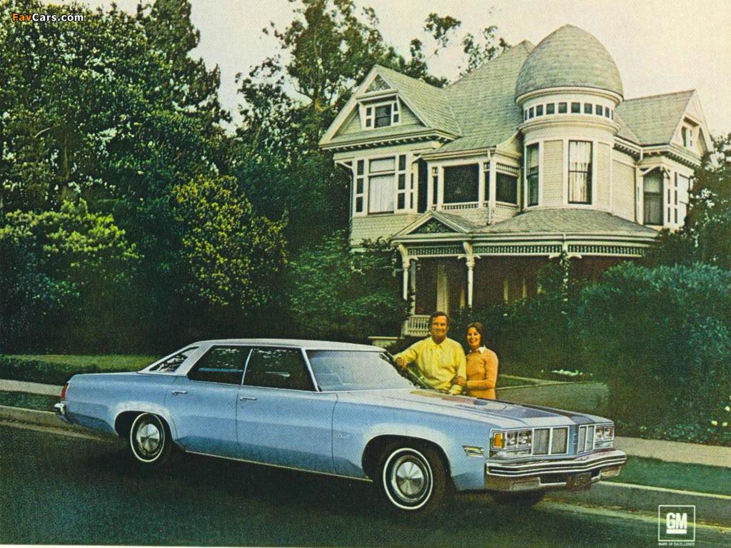 Images of Oldsmobile Delta 88 Hardtop Sedan 1976 (1024 x 768)
