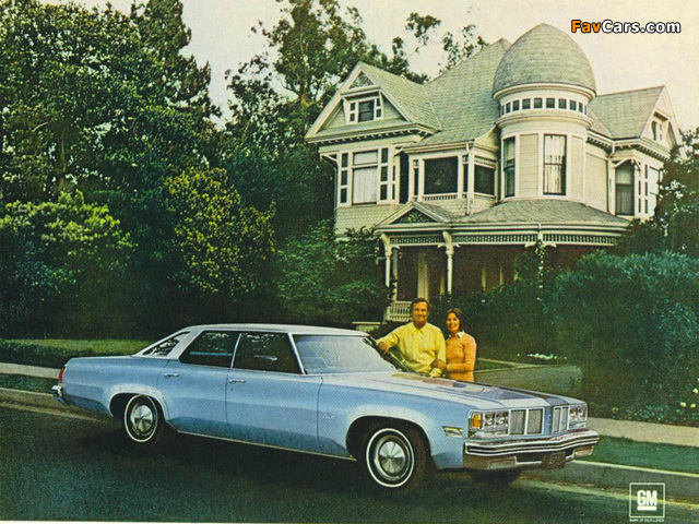 Images of Oldsmobile Delta 88 Hardtop Sedan 1976 (640 x 480)