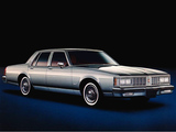 Pictures of Oldsmobile Delta 88 Royale Sedan 1980–84