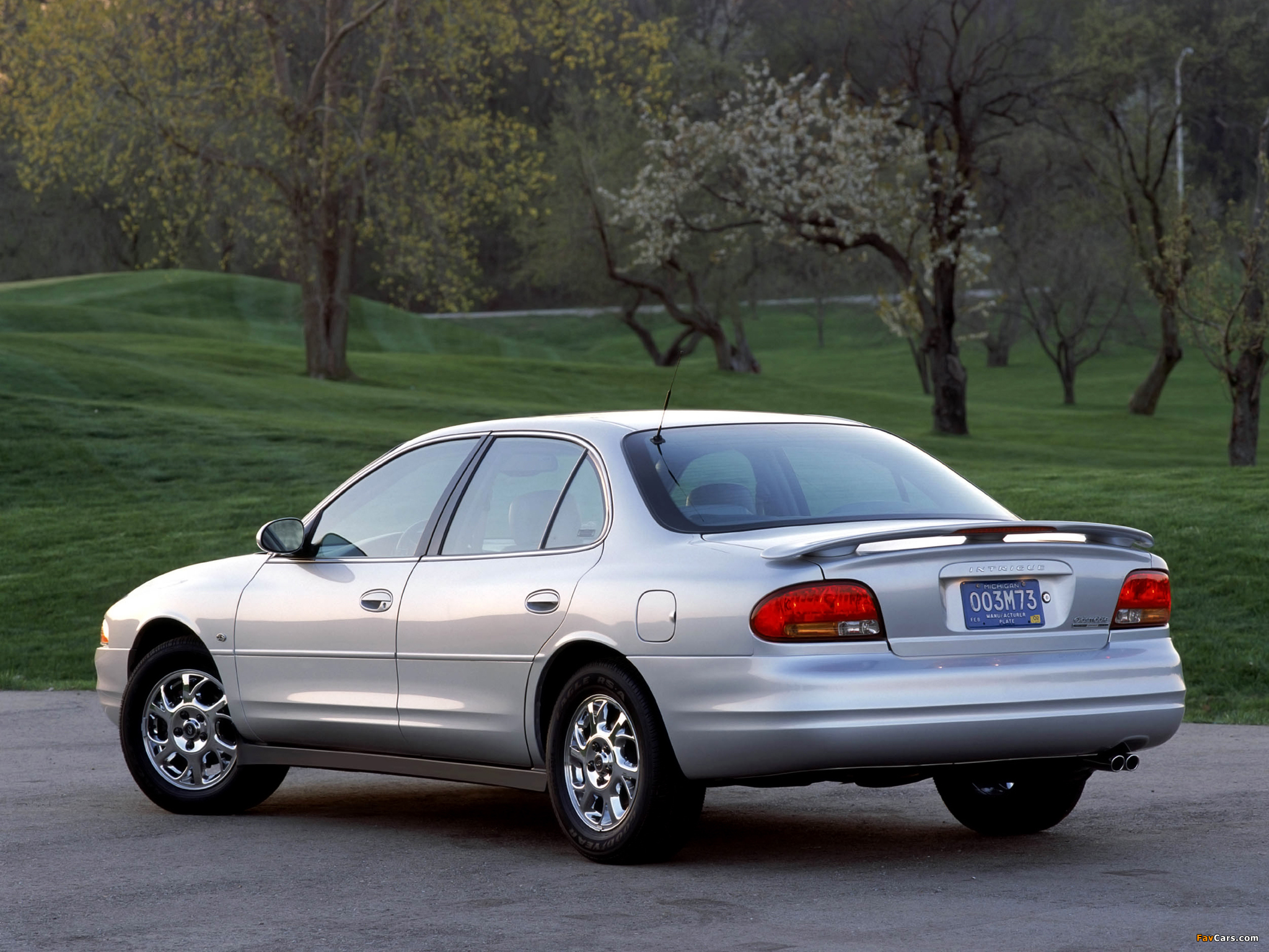 Oldsmobile Intrigue 1998–2002 images (2048 x 1536)
