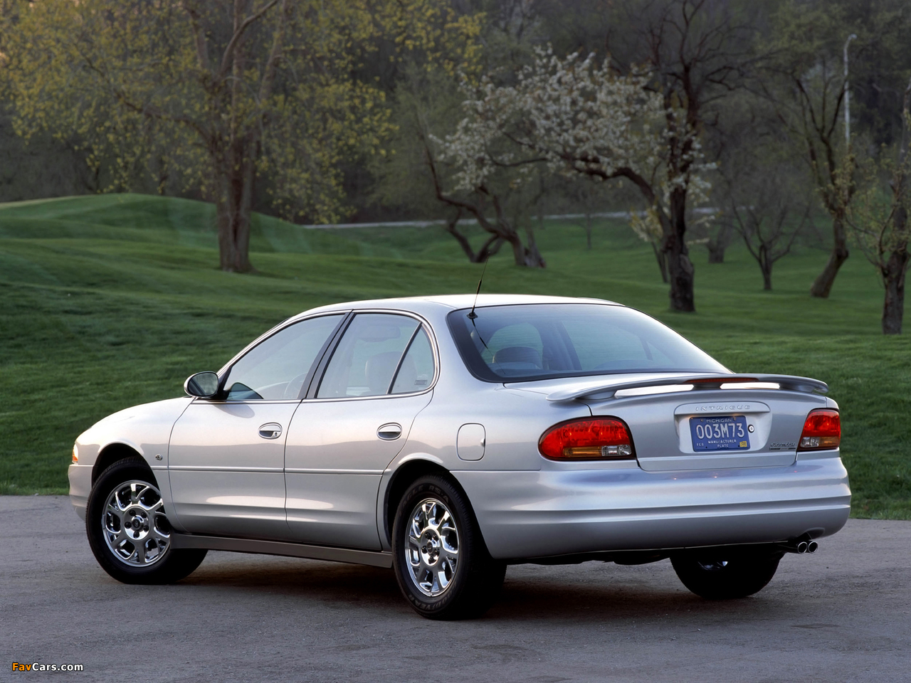 Oldsmobile Intrigue 1998–2002 images (1280 x 960)