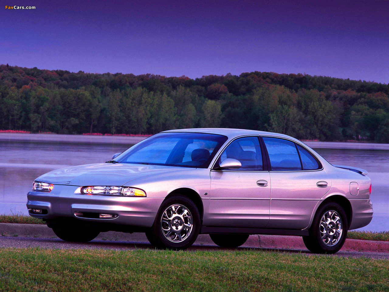 Oldsmobile Intrigue 1998–2002 pictures (1280 x 960)