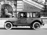 Oldsmobile Model 44 Sedan 1915 images