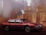 Photos of Oldsmobile Ninety-Eight Regency Sedan 1985–86