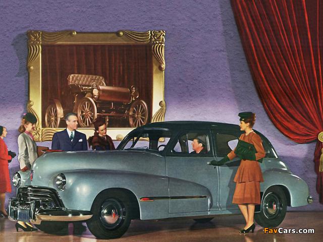 Images of Oldsmobile Special 66 Sedan (3519) 1946 (640 x 480)