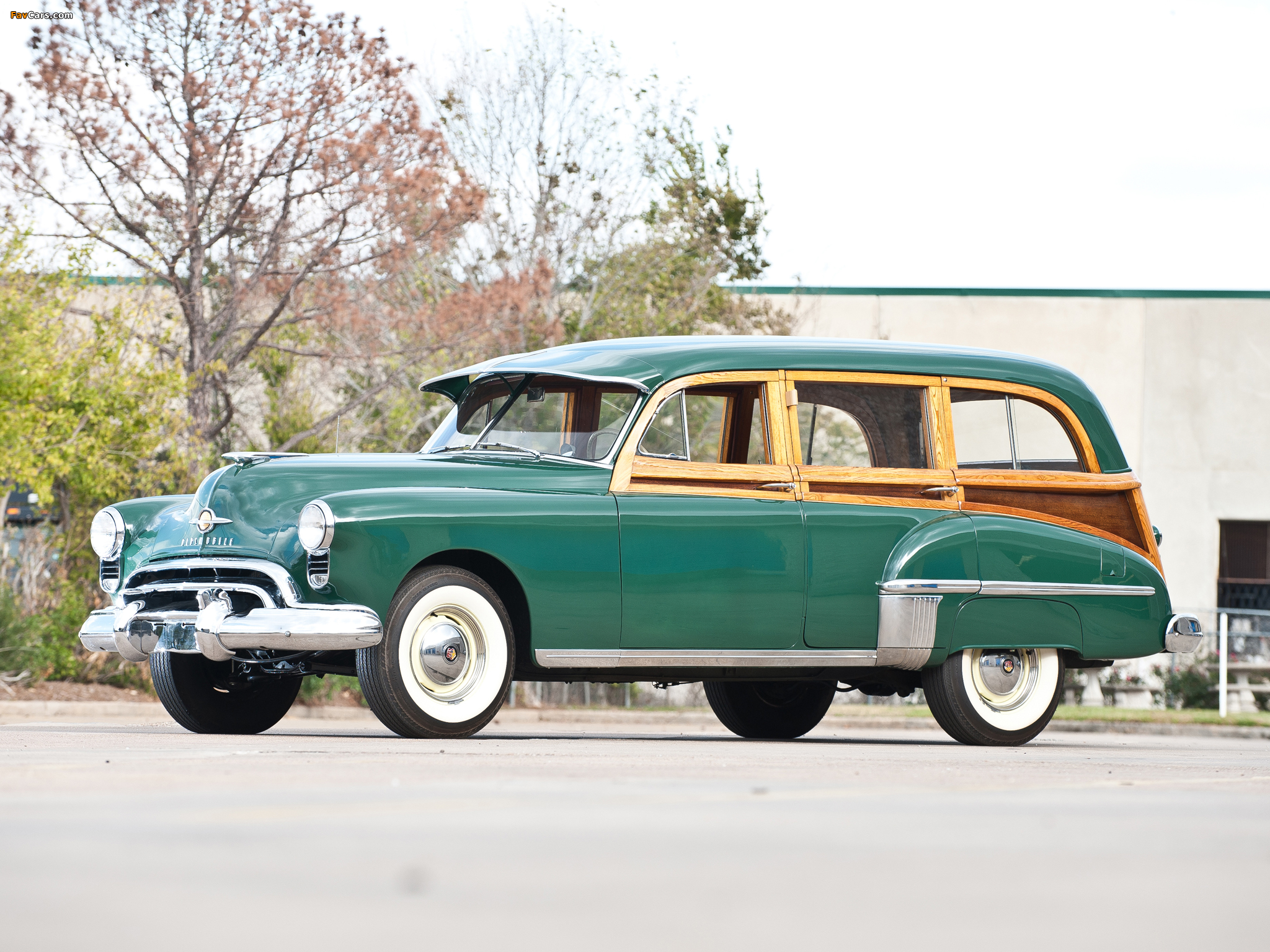 Oldsmobile 76 DeLuxe Station Wagon 1949 wallpapers (2048 x 1536)