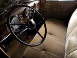 Oldsmobile Six Touring Sedan 1936 images