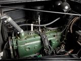 Photos of Oldsmobile Six Touring Sedan 1938