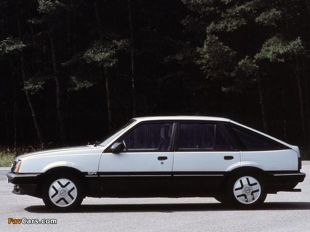 Photos of Opel Ascona CC SR (C1) 1981–84 (640 x 480)
