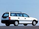 Images of Opel Astra Caravan (F) 1991–94