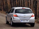 Images of Opel Astra Hatchback (H) 2004–07