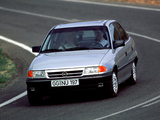 Opel Astra Sedan (F) 1991–94 wallpapers