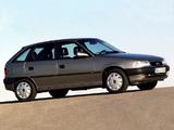 Opel Astra 5-door (F) 1994–98 images
