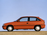 Opel Astra 3-door (F) 1994–98 pictures