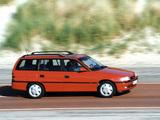 Opel Astra Caravan (F) 1994–98 pictures