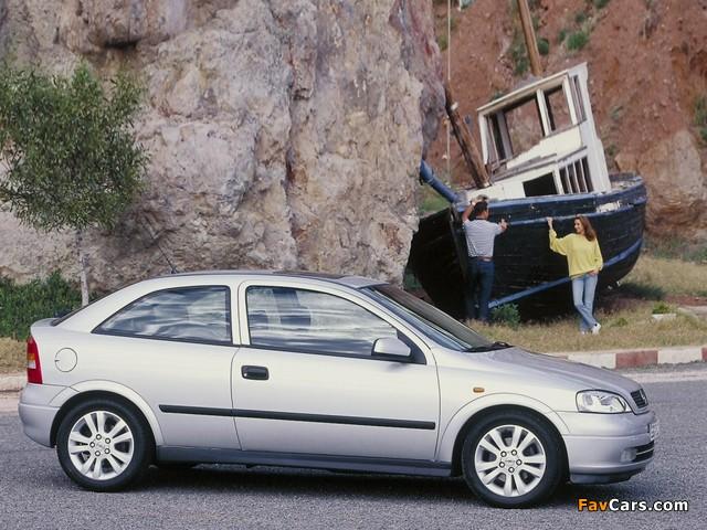 Opel Astra 3-door (G) 1998–2004 pictures (640 x 480)
