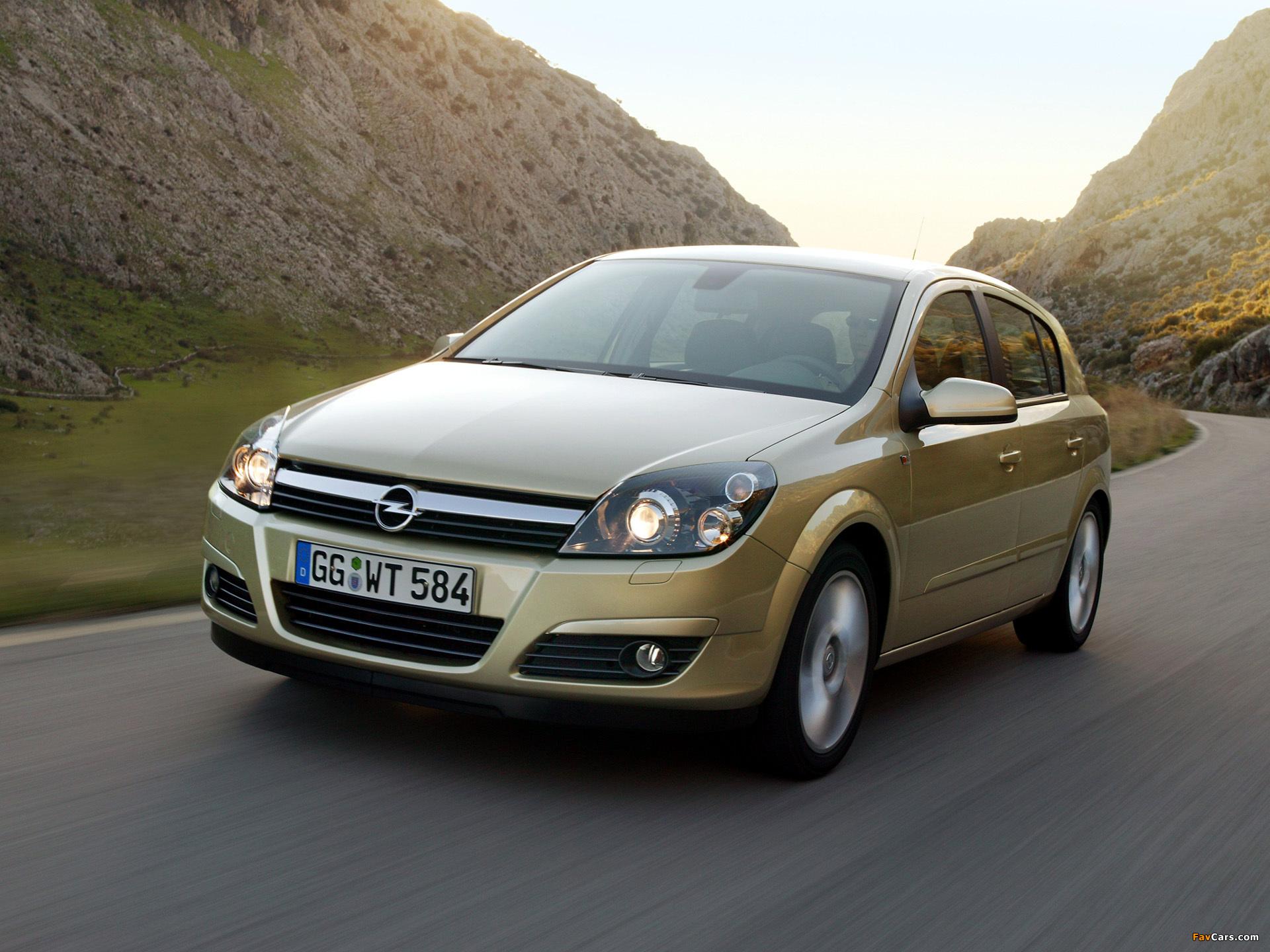 Opel Astra Hatchback (H) 2004–07 photos (1920 x 1440)