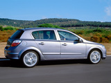 Opel Astra Hatchback (H) 2004–07 pictures
