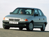 Photos of Opel Astra Sedan (F) 1991–94