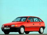 Photos of Opel Astra 5-door (F) 1991–94