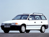 Photos of Opel Astra Caravan (F) 1991–94
