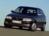 Photos of Opel Astra 5-door (F) 1994–98