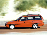 Photos of Opel Astra Caravan (F) 1994–98