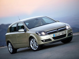 Photos of Opel Astra Hatchback (H) 2004–07