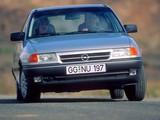Pictures of Opel Astra 3-door (F) 1991–94
