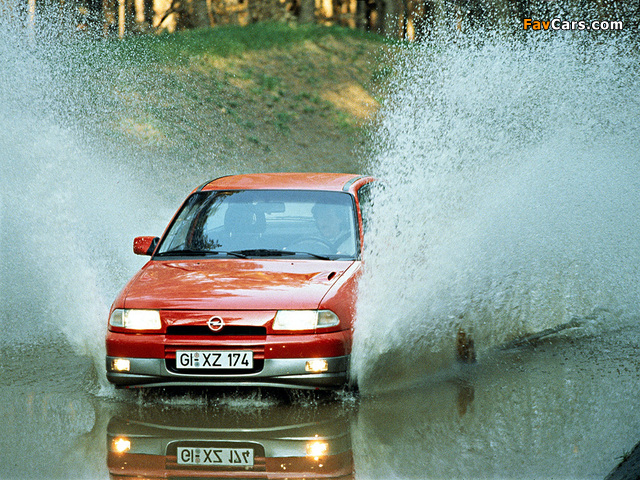 Pictures of Opel Astra GSi (F) 1991–98 (640 x 480)