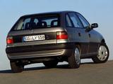 Pictures of Opel Astra 5-door (F) 1994–98