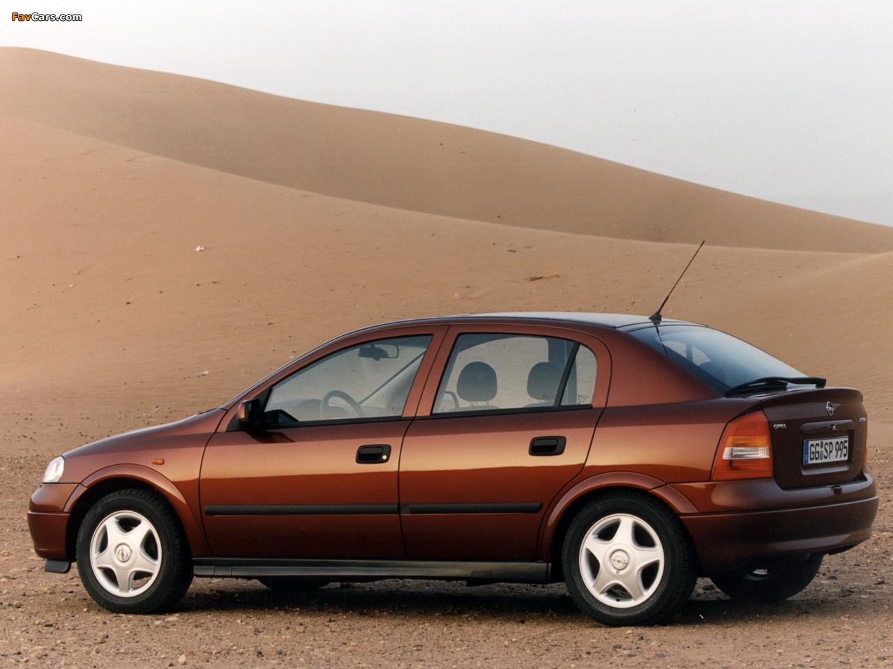 Pictures of Opel Astra 5-door (G) 1998–2004 (1280 x 960)