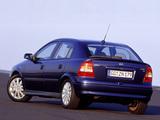 Pictures of Opel Astra 5-door (G) 1998–2004