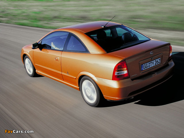 Pictures of Opel Astra Coupe (G) 2000–04 (640 x 480)