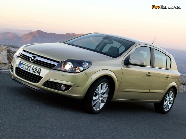 Opel Astra Hatchback (H) 2004–07 wallpapers (640 x 480)