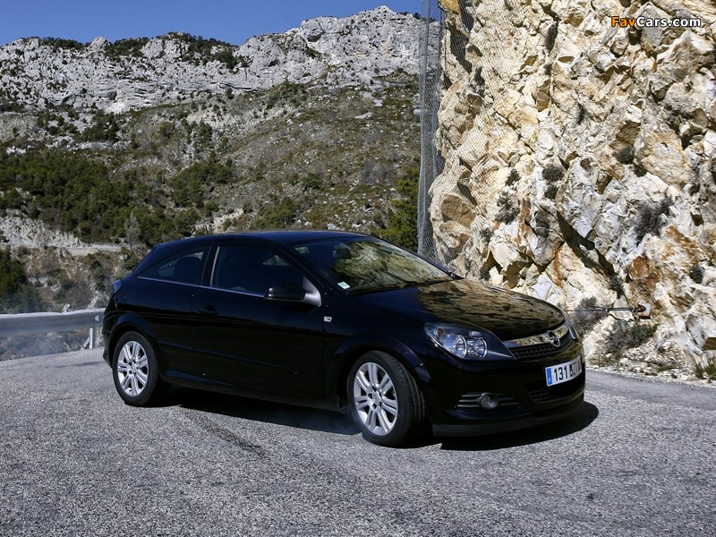 Opel Astra GTC 1.9CDTi (H) 2005–10 wallpapers (800 x 600)